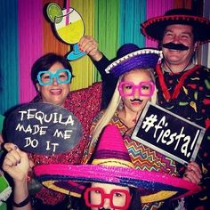 Colorful  funky #backdrop complete with cool #props at this party! Nice photo via #comofazerfestas