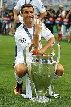 Cristiano Ronaldo THREE TIMES - UEFA Champions League 2015-16