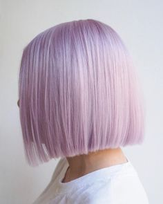 This Unexpected Hair Color Is About To Take Over Your Insta Feed 20 Lilac Hair Ideas Worth Copying, Uh, Yesterday (photo credit: Elisa Cardenas) Pastel Bob Hair, Pastel Purple Hair, Ombre Hair Color, Purple Bob, Pastel Colored Hair, Short Pastel Hair, Pastel Color Nails, Two Color Hair, Lavender Hair Colors
