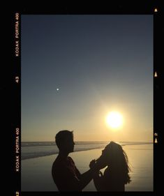 Night Aesthetic, Couple Aesthetic, Aesthetic Photo, Aesthetic Pictures, Cute Couples Goals, Couple Goals, Cute Couple Pictures, Couple Photos, Christian Yu