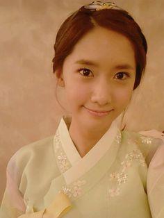 Girls' Generation's YoonA look beautiful. Korean Traditional Dress, Traditional Dresses, Im Yoon Ah, Promotional Model, Yoona Snsd, Love Rain, Hanfu, Celebs, Celebrities