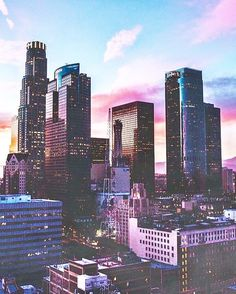 @harpersbazaarus named LOS ANGELES as the most fashionable city in the USA. Read the whole article with the link in our bio. #FIDMLife