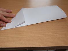 Anleitung: So bauen Sie einen Papierflieger, der weit fliegt - CHIP