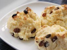 Easy Christmas Breakfast: Eggnog Drop Scones
