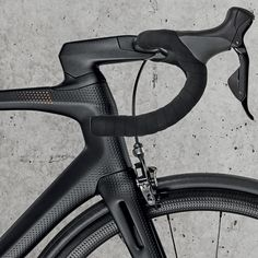 heroin-bike-project_limited-edition-luxury-aero-road-bike_cockpit