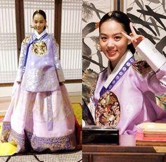 The King's Face (Hangul: 왕의 얼굴; RR: Wang-ui Eolgul) is a 2014 South Korean… Korean Hanbok, Korean Dress, Korean Outfits, Sung Jae, Lee Sung, Korean Traditional Dress, Traditional Dresses, Face Reading, Asian Angels