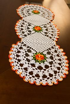 Crochet Diy, Crochet Doily Patterns, Crochet Home, Crochet Doilies, Embroidery Patterns, Knitting Patterns, Crochet Butterfly, Crochet Flowers, 5 Diy Crafts