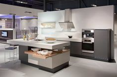 Quality, careful craftsmanship and future oriented design make our kitchens stand out. Discover the world of Poggenpohl now and be inspired by the wealth of possibilities. Kitchen Butlers Pantry, Butler Pantry, Kitchen Island, Luxury Kitchens, Kitchen Interior, Studio, Table, Furniture, Home Decor