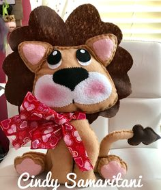 Cricut Maker Felt Valentine's Day Lion Stuffed Animal Doll #feltdolls
