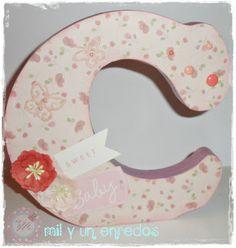 #letra #decorada #scrapbook Personal Care, Pillows, Lyrics, Creativity, Self Care, Personal Hygiene, Cushions, Pillow Forms, Cushion