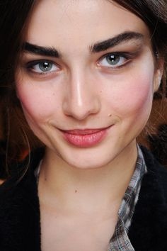 I am all about the thick eyebrows at the moment. Not an excuse to not pluck them though just define with an eyebrow pencil (or brown eyeliner) and you are good to go!