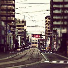 くまポン。一昨年の今ごろはこの辺をウロウロしていたっけ。イイ街でした。。#熊本#肥後#電車#市電#電線 - @shima002- #webstagram Kumamoto, Kyushu, Transmission Line, Maine, Street View, Japan, Island, Islands, Japanese