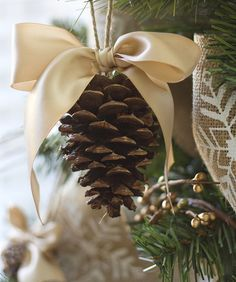 Make with cinnamon pinecones for a lovely smell!!:) they have these at dollar general, I have red burlap