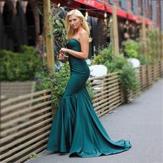 Make them envy in Evergreen] ✨ shop this look ➡ Homecoming Dresses Long, Cute Prom Dresses, Nice Dresses, Bridesmaid Dresses, Homecoming Queen, Graduation Dresses, Trendy Plus Size Dresses, Floral Evening Dresses, Formal Cocktail Dress