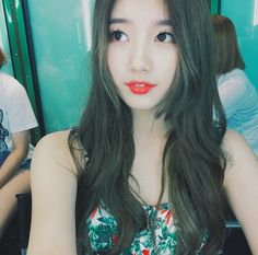 miss A's Suzy stuns fans with flawless photos on Instagram — http://aegyo.me/kL4