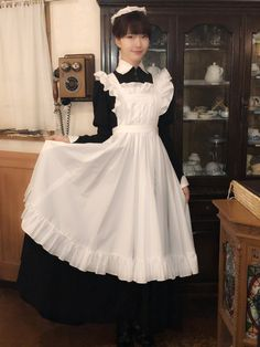 Maid Outfit, Maid Dress, Maid Cosplay, Cosplay Outfits, Victorian Maid, Maid Uniform, Just Girl Things, Lolita Dress, Historical Clothing