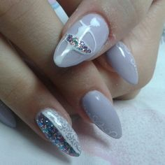 Balerina purple glittery nails by Dorothea
