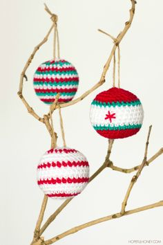 Crocheted Christmas Baubles - Free Pattern @ Hopeful Honey