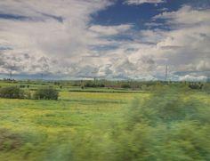 Photo à lisibilité restreinte en voyage.  Prise de vue en Hdri avec iphone depuis un train.