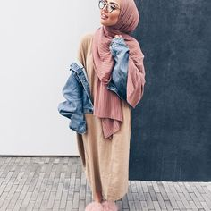 30 Cute Hijab School Outfits for Muslim Teen Girls Street Hijab Fashion, Abaya Fashion, Modest Fashion, Fashion Outfits, Fashion Fashion, Womens Fashion, Hijab Fashionista, Casual Hijab Outfit, Hijab Chic