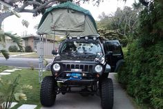 I want this tent on top of my Jeep! Jeep Liberty Lifted, Jeep Cherokee Accessories, Jeep Liberty Renegade, Jeep Camping, Jeepers Creepers, Cool Jeeps, Jeep Jeep, Jeep Stuff, Jeep Life