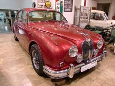 Best classic cars and more! Chevrolet Impala, Jaguar Daimler, Rolls Royce Cars, Best Muscle Cars, Best Classic Cars, Buick, Car Show, Vintage Cars, Vehicles