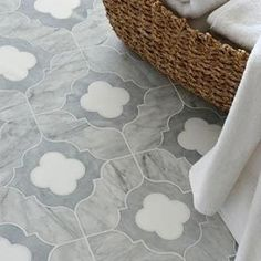 Most beautiful tile Irene, a stone waterjet mosaic shown in Allure honed, Snow White polished, and Avenza honed, is part of the Talya Collection by Sara Baldwin for Marble Systems. Küchen Design, Tile Design, House Design, Floor Design, Design Ideas, Planchers En Chevrons, Ravenna Mosaics, Interior Simple, Interior Design