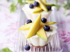 Kleine Käseküchlein mit Obst ist ein Rezept mit frischen Zutaten aus der Kategorie Küchlein. Probieren Sie dieses und weitere Rezepte von EAT SMARTER!
