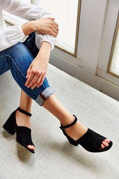 Suede Bessie Heel - Urban Outfitters