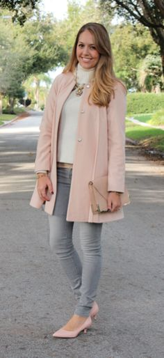 J's Everyday Fashion provides outfit ideas, budget fashion, shopping on a budget, personal style inspiration, and tips on what to wear. Pink Shoes Outfit, Blush Outfit, Grey Sweater Outfit, Jeans Outfit Winter, Business Casual Outfits, Stylish Outfits, Color Plomo, Jeans Azul, Js Everyday Fashion