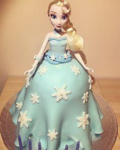 Elsa frozen Cake!