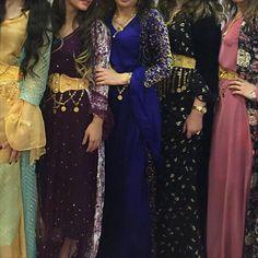 Stunning festive Kurdish Dresses. Girls Fashion Clothes, Modest Fashion, Hijab Fashion, Girl Outfits, Clothes For Women, Oriental Fashion, Ethnic Fashion, Womens Fashion, Jli Kurdi