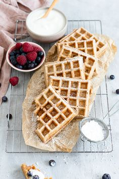 Cream cheese whole grain waffles - Cream Whole Wheat Cheese Cheese Waffles, Crepes And Waffles, Banana Pancakes, Chocolate Crepes, Healthy Chocolate, What's For Breakfast, Breakfast Recipes, Sweet Cakes, No Bake Cake