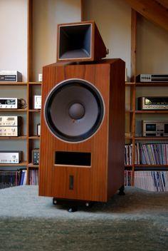 High end audio audiophile Blumenhofer Acoustics Genuin FS 1 Audiophile Speakers, Hifi Audio, Built In Speakers, Stereo Speakers, Top Speakers, Audio Post Production, Home Theater Sound System, Speaker Box Design, Audio Room