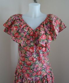 SALE..WAS 39.00 NOW 25.00  Vintage 1970s Hawaiian Classic Summer Dress on Etsy, $26.56 CAD