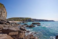 Do you love photography? Cornwall's beautiful and varied landscapes make it the perfect place to capture on camera. Holiday Cottages In Cornwall, Holidays In Cornwall, Us Beaches, Beach Holiday, Love Photography, Beautiful Beaches, Perfect Place, Seaside, Places To Visit