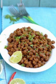 Chatpate Chane as the name suggests are spicy chanas that you can enjoy for breakfast or snacks. They are high on protein, add great flavor to the palate and can be complemented by rotis or any Indian flatbread.