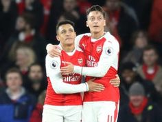 Arsenal players 'unhappy with Mesut Ozil, Alexis Sanchez'