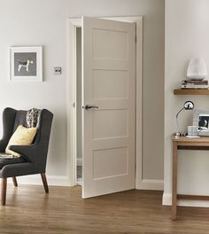 4 Panel Shaker smooth door, like this or 5 panel