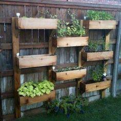 25 Ideas for Decorating your Garden Fence Garden, Pallets garden, Garden boxes Diy Garden, Garden Boxes, Dream Garden, Herb Garden, Garden Projects, Garden Web, Diy Projects, Project Ideas, Garden Oasis