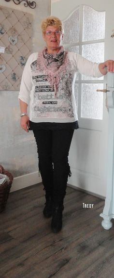 Love it!  <3 T Shirts For Women, Tops, Fashion, Moda, Fashion Styles, Fasion