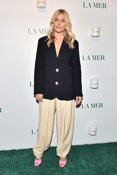 Sienna Miller Photos - Sienna Miller attendss La Mer By Sorrenti Campaign at Studio 525 on October 2019 in New York City. - La Mer By Sorrenti Campaign Brooklyn Decker, Kendall Jenner Outfits, Sienna Miller, Victoria Dress, Tokyo Fashion, Red Carpet Dresses, Alexa Chung, Red Carpet Fashion, Victoria Beckham