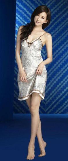 Beautiful Asian Girls, Beautiful Legs, Beautiful Women, Ideal Beauty, Asian Beauty, Kate Beckinsale Pictures, Lin Chi Ling, Good Looking Women, Nighties