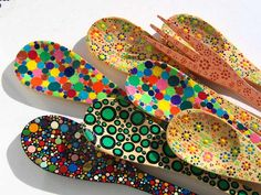 colheres by *myosotis*, via Flickr Diy Arts And Crafts, Diy Craft Projects, Craft Tutorials, Projects To Try, Wooden Spoon Crafts, Wooden Spoons, Painted Spoons, Hand Painted, Indoor Crafts