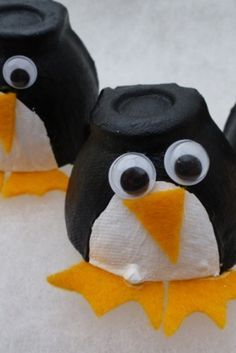 Utterly cute little penguins made from egg boxes, painted and with felt to add details and gorgeous googly eyes. A super cute Christmas craft for kids.