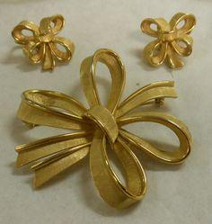 Trifari Bow Style Pin and Earring Set