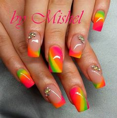35 Hot Tropical Nail Art Designs For Summer                                                                                                                                                      More