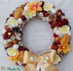 Terméskoszorú virágokkal több évszakos kopogtató  (23 cm) Késztermék (pinkrose) - Meska.hu Minion, Floral Wreath, Wreaths, Home Decor, Room Decor, Minions, Garlands, Home Interior Design, Decoration Home