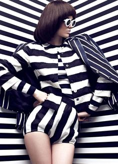 Graphic Patterned Fashion : Fashion Magazine 'High Contrast'