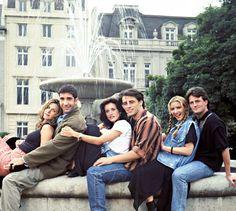 Jennifer Aniston as Rachel Green, David Schwimmer as Ross Geller, Courteney Cox as Monica Geller, Matt LeBlanc as Joey Tribbiani, Lisa Kudrow as Phoebe Buffay, Matthew Perry as Chandler Bing on Friends.